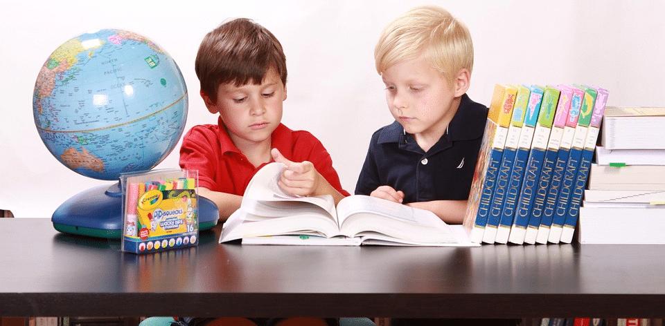 , Genitori invadenti, attenzione: l'ansia si trasmette ai figli